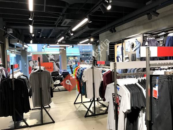 adidas Store - Innere Stadt