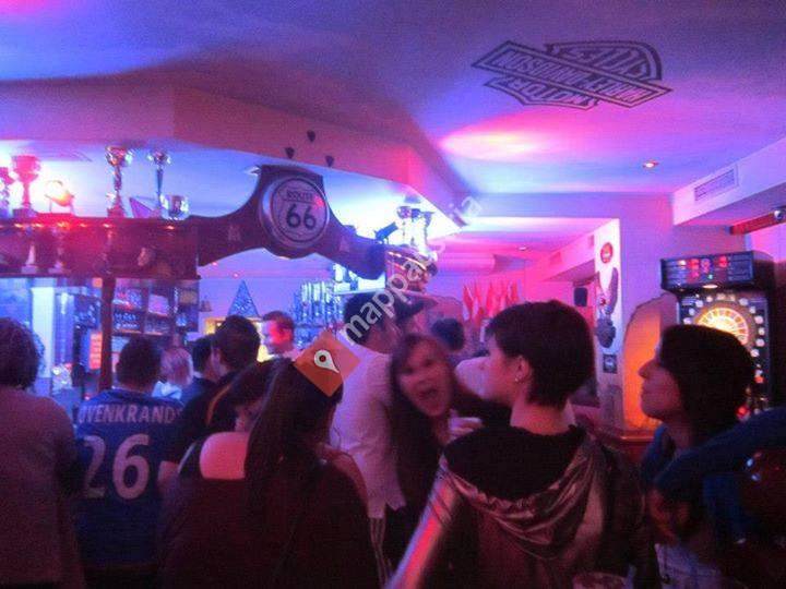 Cafe-Pub Zwoaradl